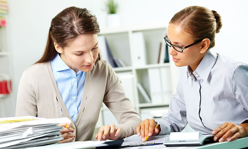 Общение с кредитным менеджером банка и предоставление документов, подтверждающих обстоятельства «ошибок прошлого» могут помочь в решении проблемы